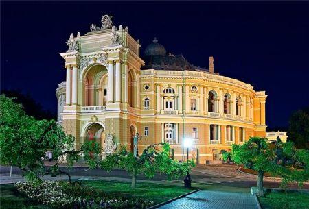 Крик. Одесский театр оперы и балета