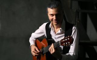 Пять взглядов на гитару. Московский дом музыки