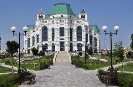 Винни Пух стучится в дверь. Астраханский театр Оперы и Балета
