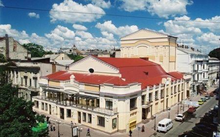ИЗ ЖИЗНИ БОЛЬШОГО ЯБЛОКА. Одесский театр им. А. Иванова