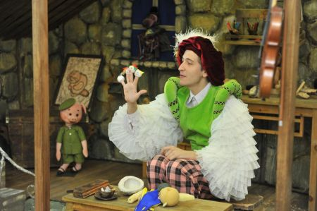 Про театр, про кукол, про сказки. Омский театр куклы, актера, маски Арлекин