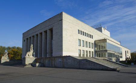 Розенкранц и Гильденстерн. Театр юных зрителей имени А. А. Брянцева