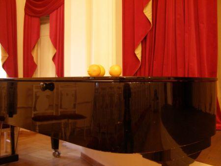 Три Апельсина. Театр «Зазеркалье»