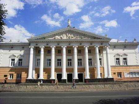 Бог пообіцяв... Вінницький театр ім. М. Садовського