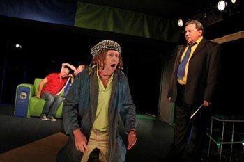 Классическая комедия «Слишком женатый таксист» в Русском театре им. Н. Сац
