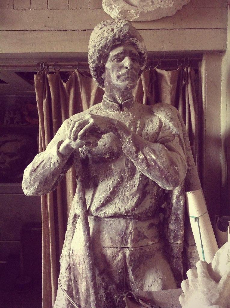 Образ поэта Тагира Хрюгского в творчестве скульптора Гейбата Гейбатова