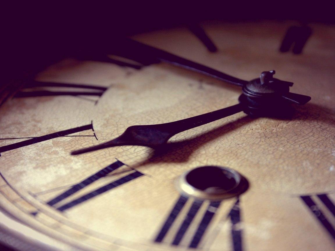Перевод часов на зимнее и летнее время. Плюсы и минусы.