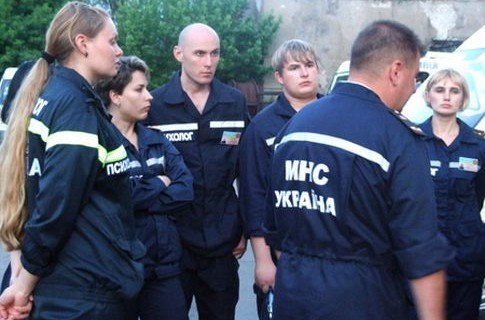 Журналисты в роли спасателей. Сегодня прямо во дворе Министерства здравоохранения состоялся мастер-класс для работников СМИ