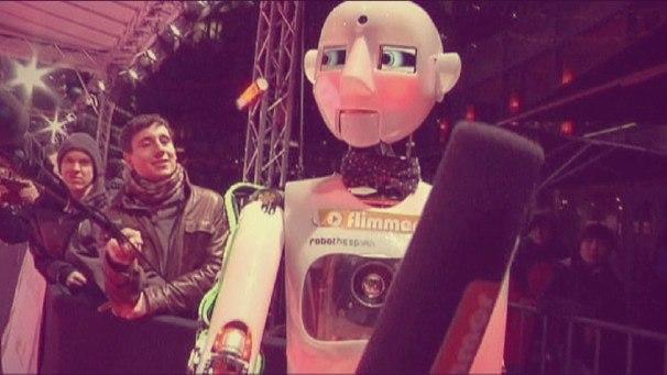 робота-гуманоид на кинофестивале