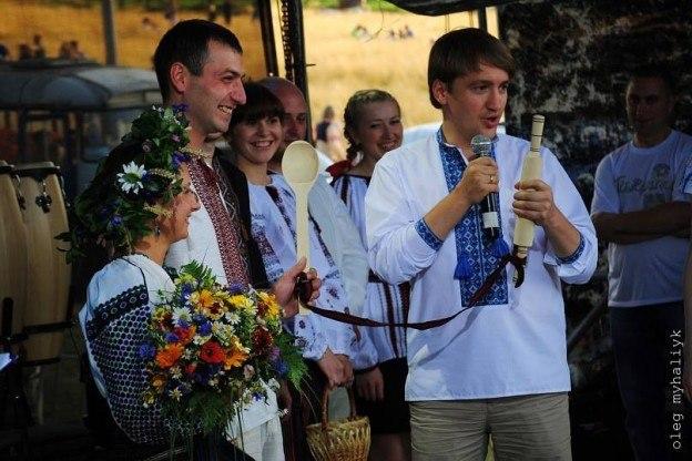 весілля на фестивалі підкамінь