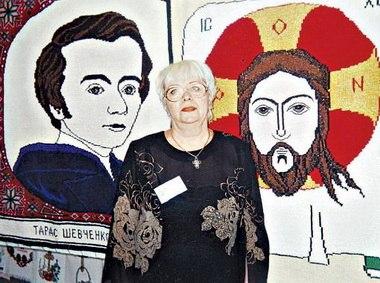 Мастерица из Ивано-Франковска выплетает иконы