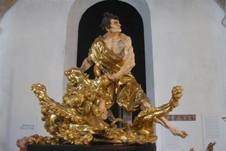 """Большинство скульптур культового мастера Иоанна Пинзеля перезимуют в """"теплом и просторном"""" Лувре."""