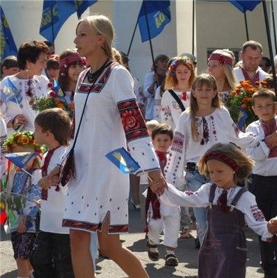 Всеукраинский Парад вышиванок 2012