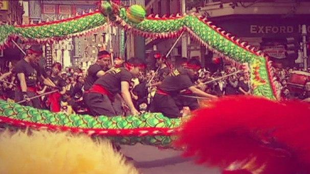 Как китайцы гарантируют себе счастье на год Змеи