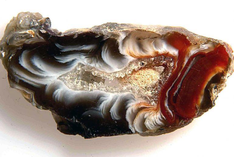 Камень агат. Чёрный агат в природе. Фото