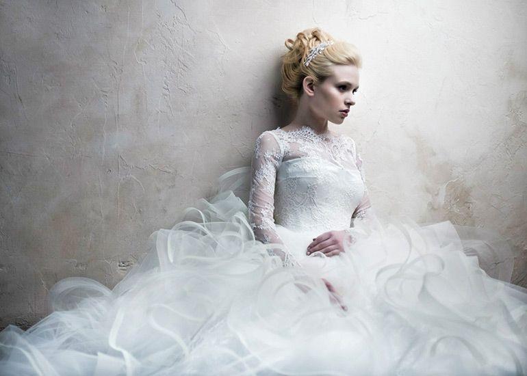 Красивая прическа на свадьбу