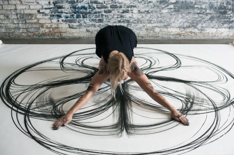 Танец на бумаге