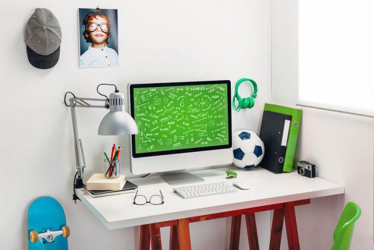Как правильно выбирать светильник для рабочего стола