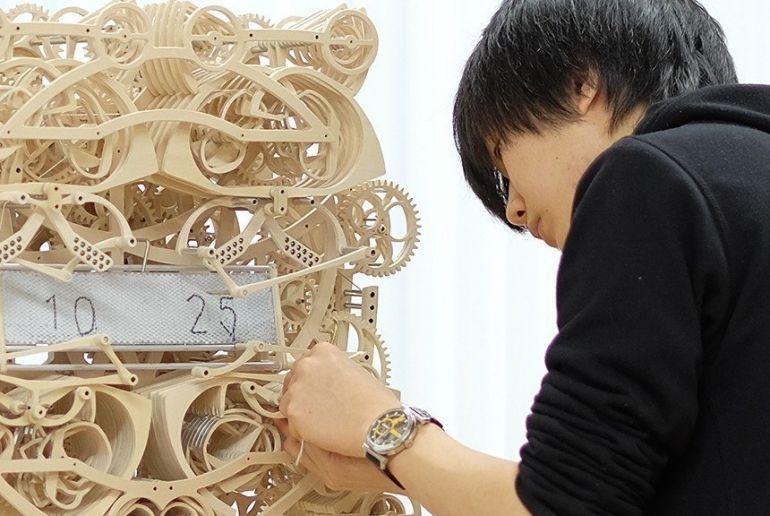 Уникальные часы из дерева создал японец Сузуки Канго