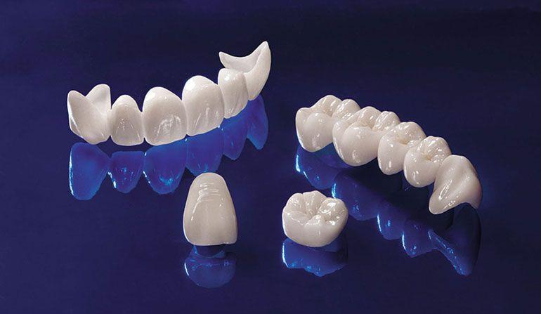 Izbeliti zube aktivnim ugljem