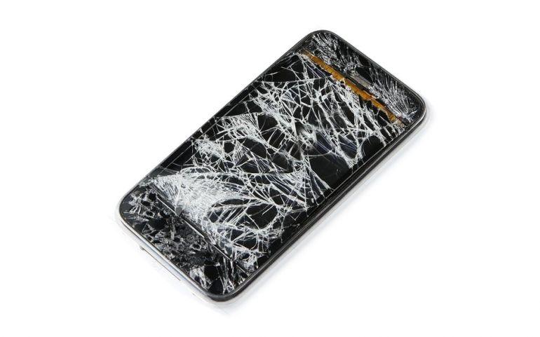 сломанный смартфон. Стекло