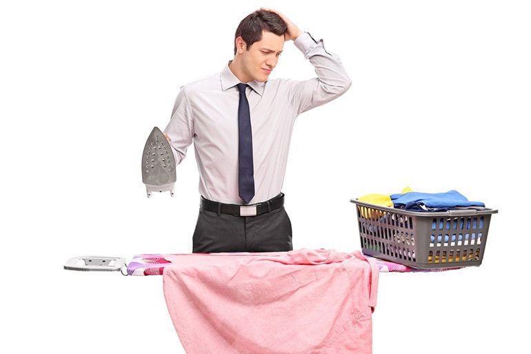 Как ухаживать за футболкой. Как правильно погладить одежду