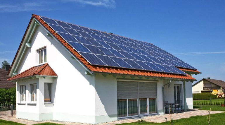 солнечные батареи. Дом