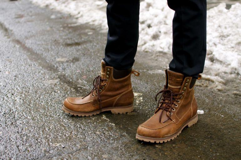мужчина зимние ботинки. Зима
