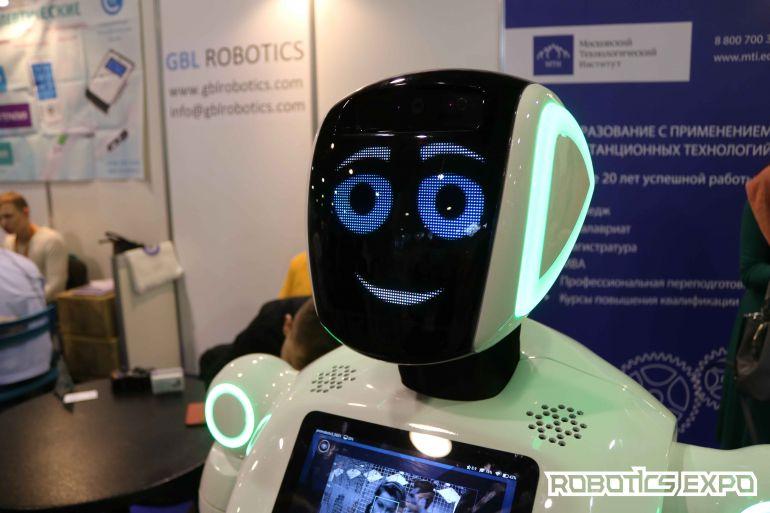 Робот-HR, антропоморфные роботы, роботы-помощники и промоботы – чем еще запомнилась Robotics Expo 2017