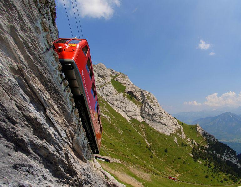 Зубчатая железная дорога в Швейцарии