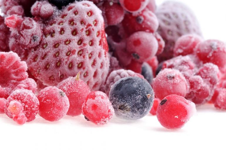 Морозильные камеры. Замороженные ягоды
