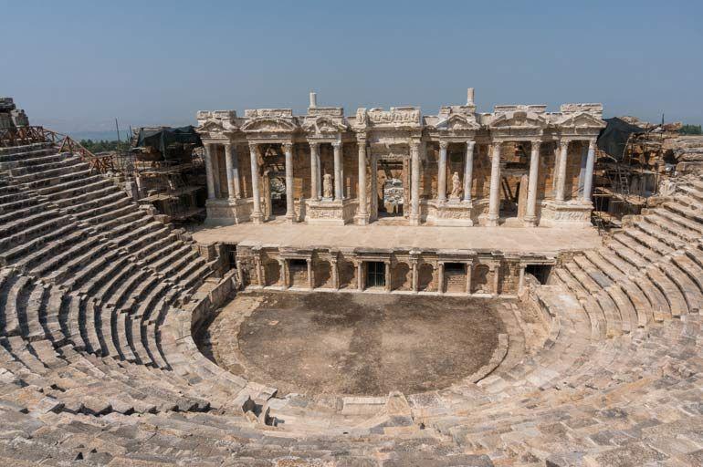 Античный театр и Древнегреческая трагедия